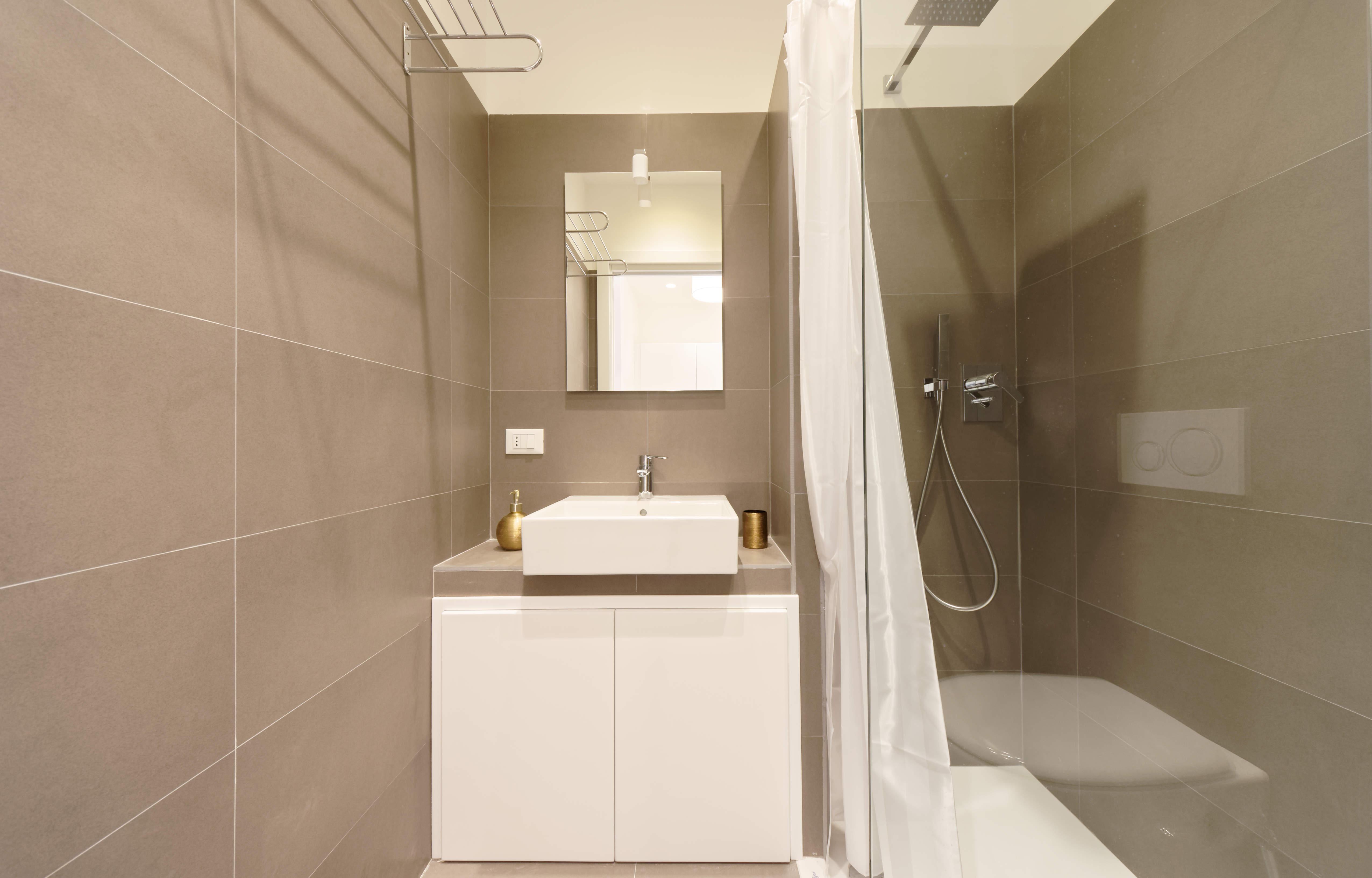 #41 // White Suite
